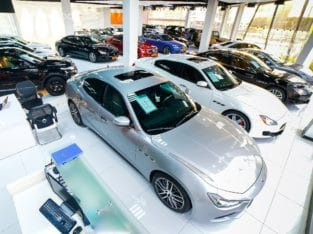 Porsche showroom-Porsche Dealer in Dubai at Amazing Prices